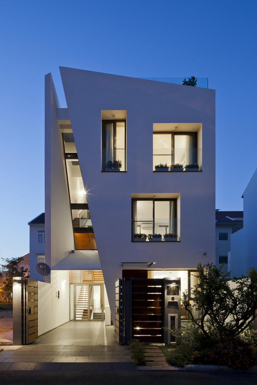 Ngôi nhà với mặt tiền gấp khúc độc đáo