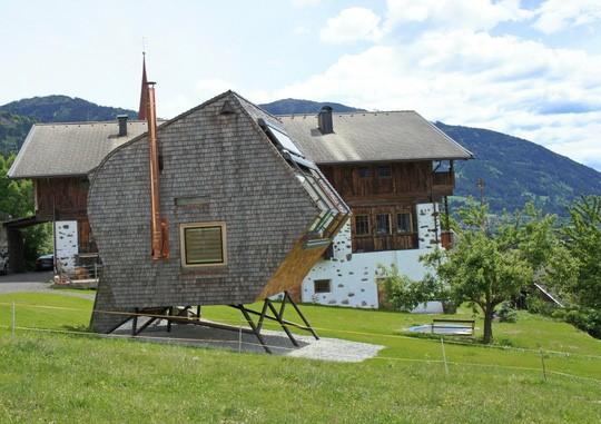 Độc đáo với ngôi nhà trên núi