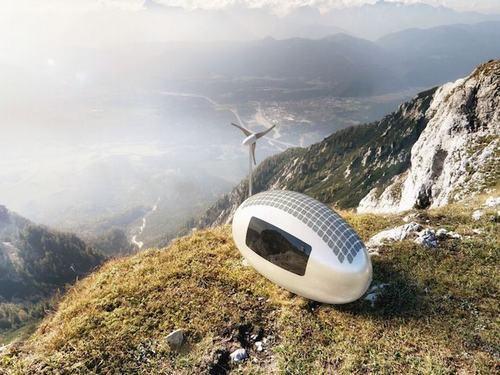 Thân thiện với môi trường ( sử dụng năng lượng mặt trời, gió, nước mưa để vận hành)