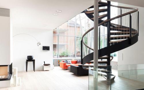 Nguyên tắc thiết kế và cách chia bậc cầu thang xoắn ốc