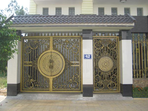 Chiều cao và chiều rộng của cổng nhà phù hợp với phong thủy