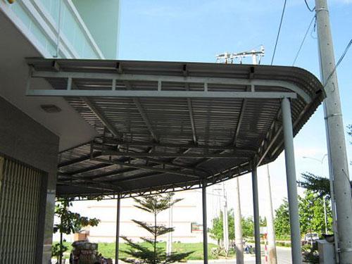 Cần đảm bảo khi thiết kế mái tôn những chỗ bắt vít cần bắn silicon