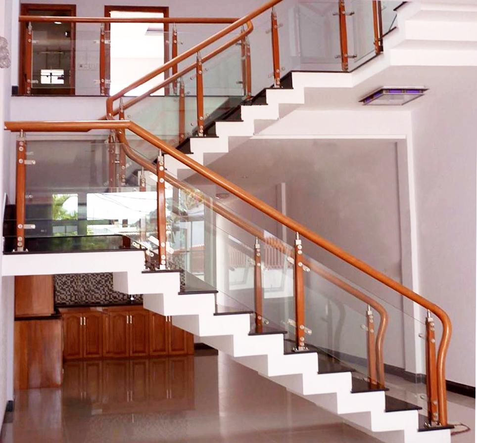 Tùy thuộc và vị trí và thế đất mà mỗi gia đình có cách lựa chọn cầu thang khác nhau