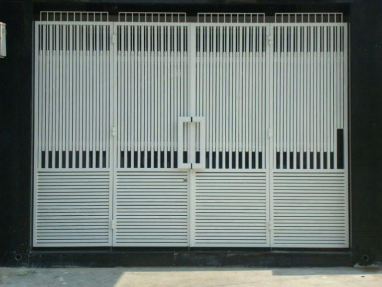 Mẫu cổng sắp 4 cánh nhà phố đơn giản