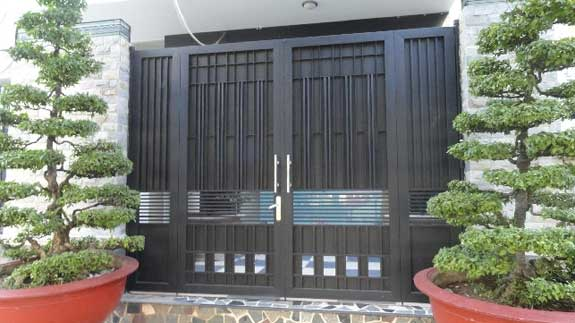 Cần lựa chọn những mẫu cổng 4 cánh phù hợp với mệnh của gia chủ để ngôi nhà trở nên hoàn hảo hơn